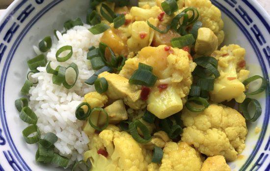 Bloemkoolcurry met mango en kipfilet
