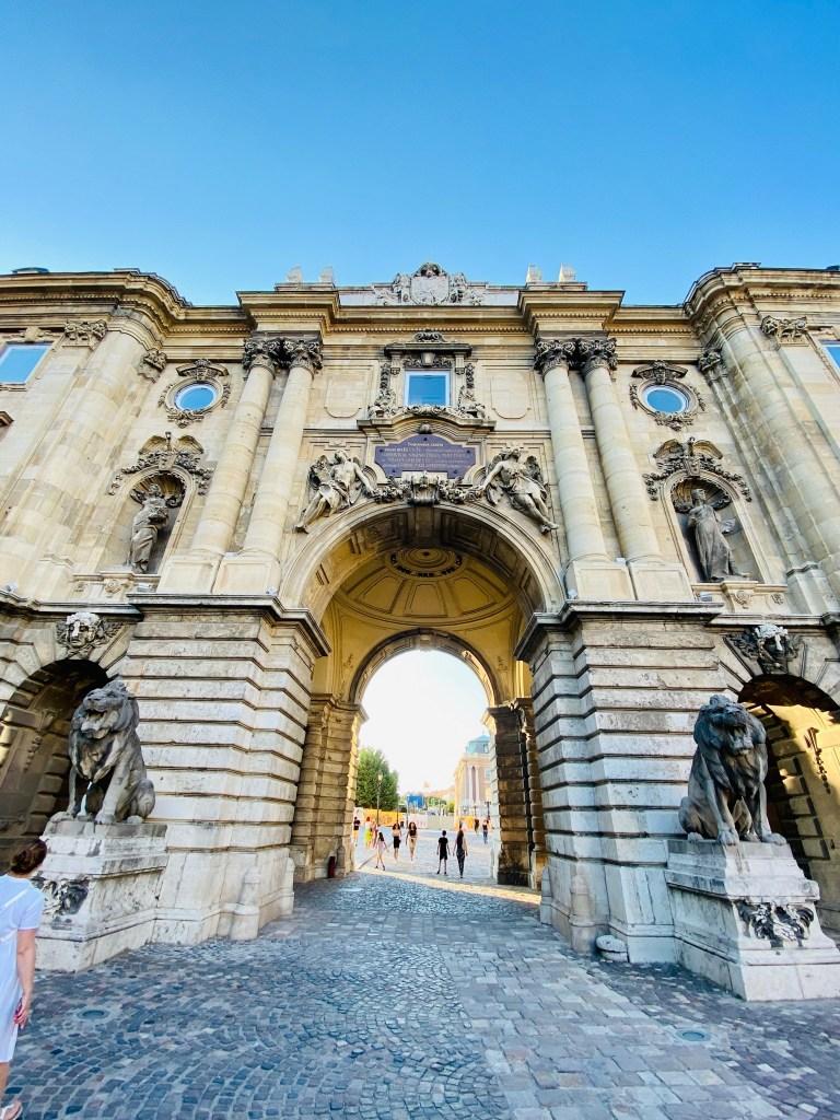 7 motive pentru care te vei îndrăgosti de Budapesta