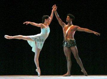 Carlos Acosta y Viengsay Valdés interpretan Diana y Acteón en la sala García Lorca del Gran Teatro de La Habana, como parte del 20 Festival Internacional de Ballet de La Habana, el 31 de Octubre de 2006, La Habana, Cuba. Foto: Calixto N. Llanes/Juventud Rebelde (CUBA)