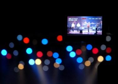 Una cámara de video graba la Serenata de la Fidelidad, el 12 de Agosto de 2011, La Habana, Cuba. Foto: Calixto N. Llanes/Juventud Rebelde (CUBA)