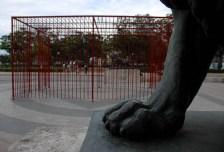 €œSe soltaron los leones, obra del artista cubano Roberto Fabelo, el jueves 29 de Mayo de 2012, La Habana, Cuba. Foto: Calixto N. Llanes (CUBA)