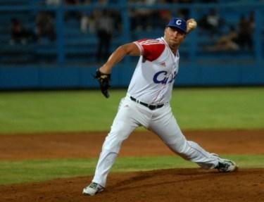 Norberto González tuvo muy buen rendimiento en la Semana Beisbolera de Haarlem, el domingo 8 de julio de 2012, La Habana. Foto: Calixto N. Llanes/Juventud Rebelde (CUBA)