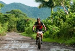 Yosef Ajram pedalea durante segunda etapa de la Titán Tropic Cuba de ciclismo de montaña. FOTO de Calixto N. Llanes (CUBA)