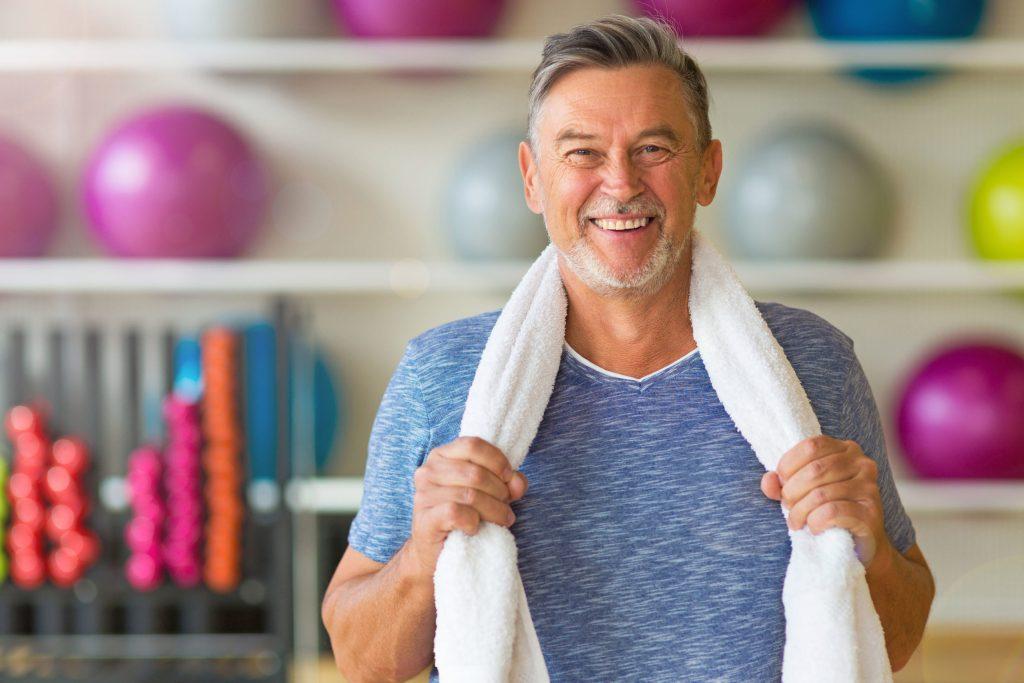 Wenn trotz Sport die Muskeln schwinden, sollten Männer ihre Testosteronwerte prüfen lassen.