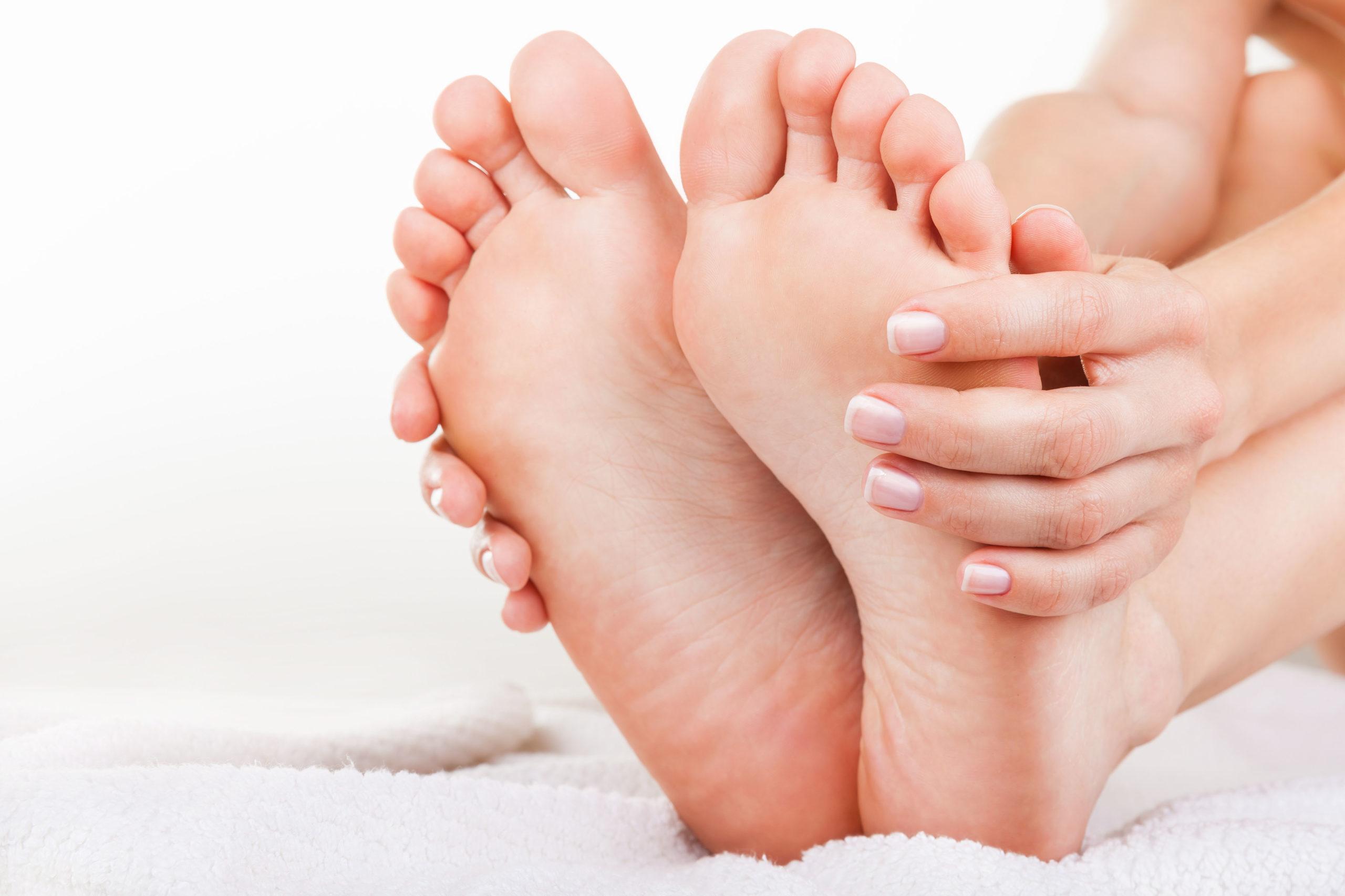 Bei Nervenschmerzen in den Füßen handeln statt abwarten