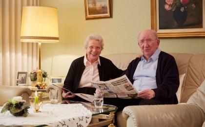 Die meisten Senioren möchten so lange wie möglich in ihren vertrauten vier Wänden leben - auch im Fall einer Pflegebedürftigkeit.