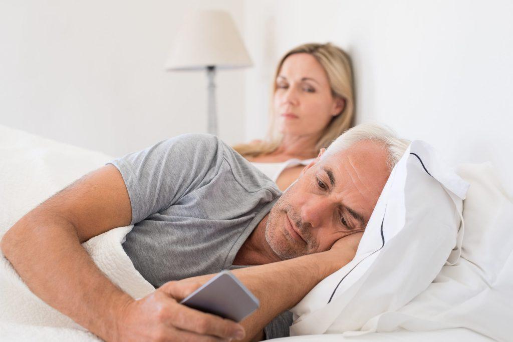 Wenn im Bett anhaltende Flaute herrscht, kann das auch die Beziehung gefährden.
