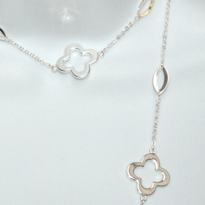 """Good Luck Clover Leaf Silver Plated Necklace 40"""""""