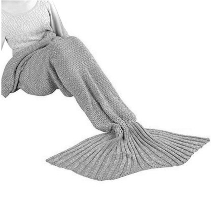 SILVEREFEVER Handmade High Density Thick Mermaid Blanket, Soft Warm for All Seasons, Sweet Gift - Red Fish Scale Knit
