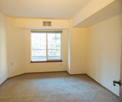 W302 bedroom