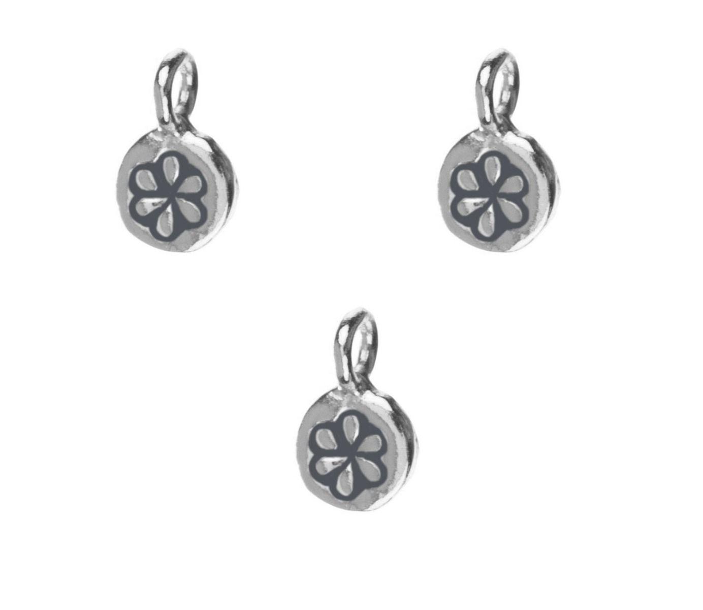 Charm flor plata