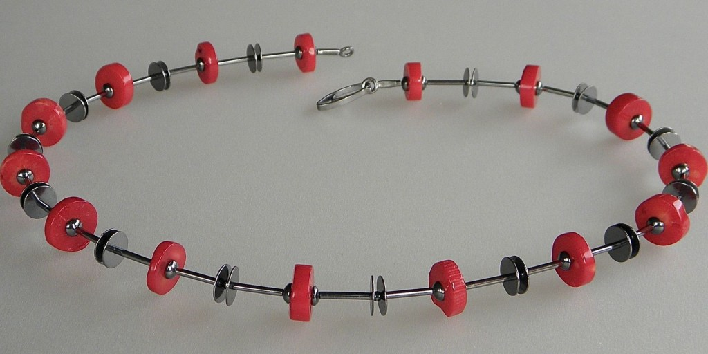 674 - Single Coral Necklace