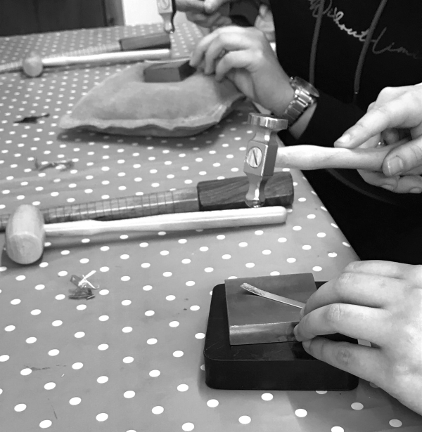 Silverkupe Ring making -hammering