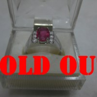 Ruby Merah 1.4ct pada Cincin Perak Lapis Emas Putih