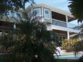 leona-exterior-poolview