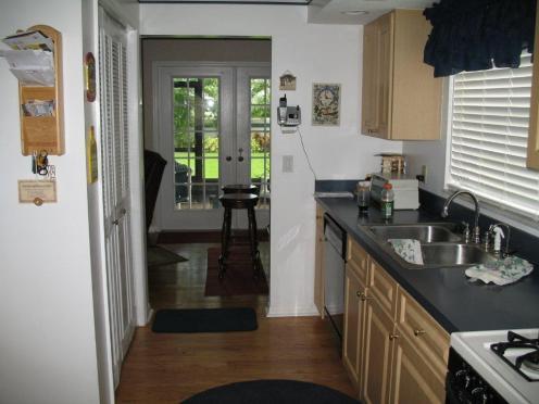 glennlakes1-kitchen-before