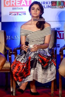 Alia Bhatt And Shahid Kapoor Shaandaar Movie Promotions
