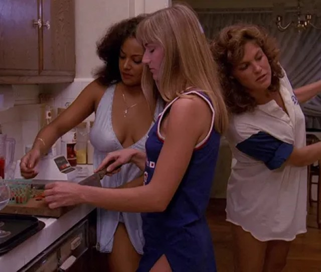 Popular High School Seniors Parents Are Out Of Town For The Weekend So She Invites All Her Sexy Gal Pals Over For A Slumber Party