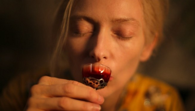 only-lovers-left-alive-tilda-swinton.jpg