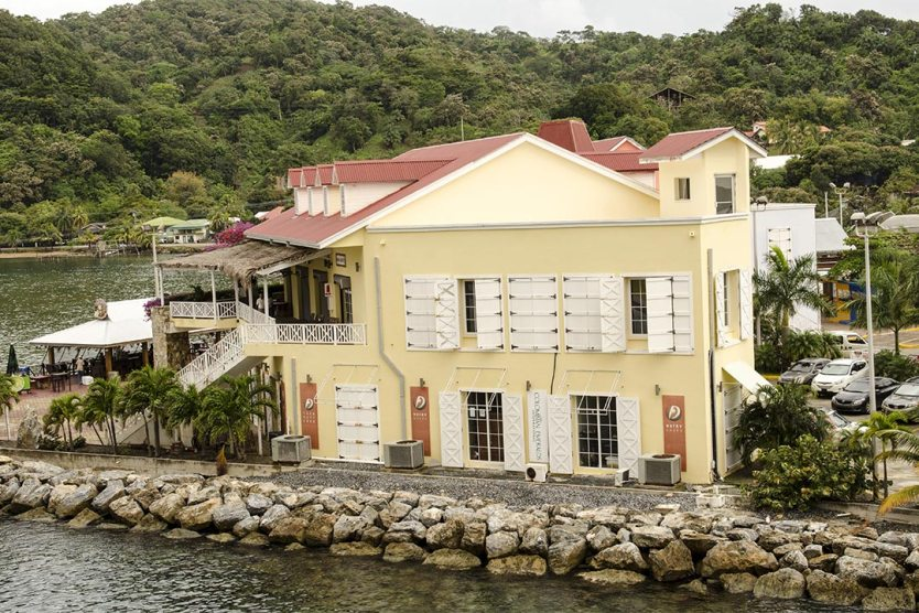 Roatan Caribbean island to retire in