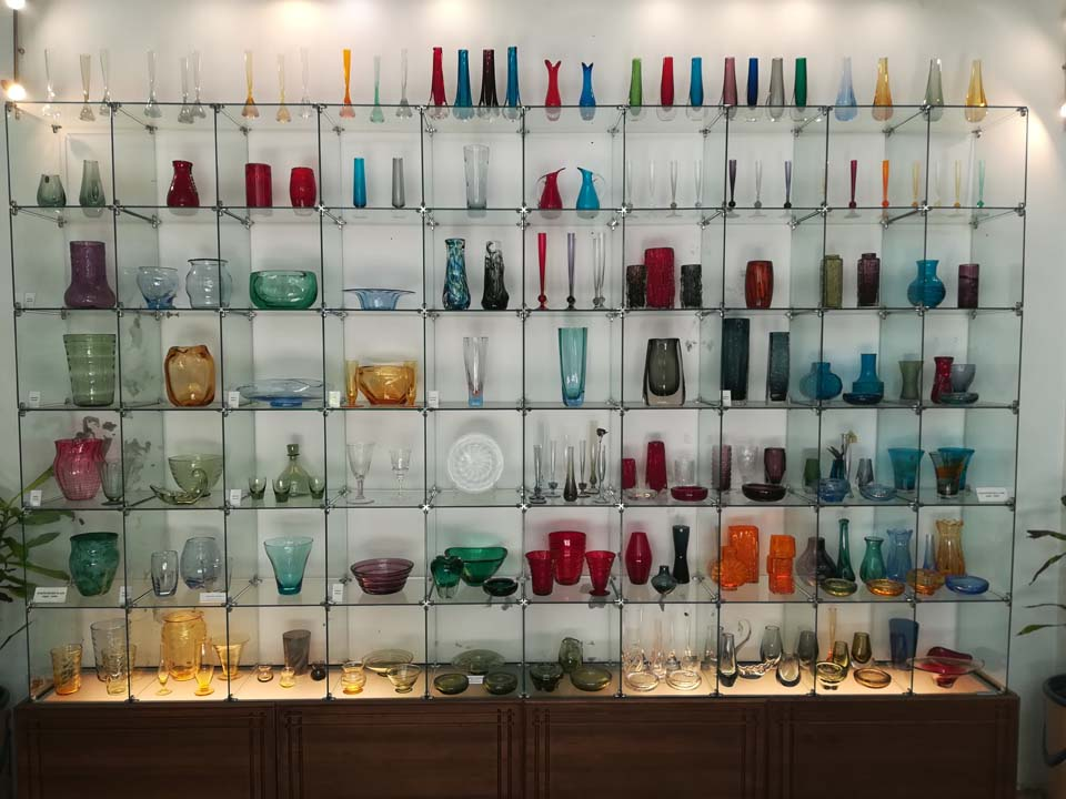 Crystal & Glass Museum display