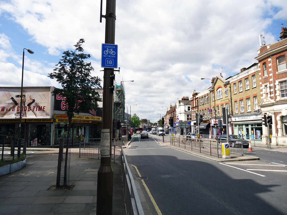 D12B – Woolwich Road / Blackwall Lane (S)