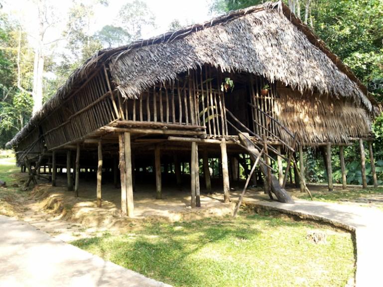 Rumah Panjang Suku Rungus, MariMari Cultural Village, 2015. (Foto Silvia Galikano)