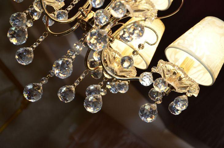 chandelier-433652_1920