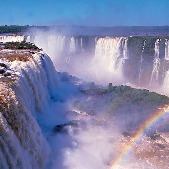 Iguazú e nuvole...