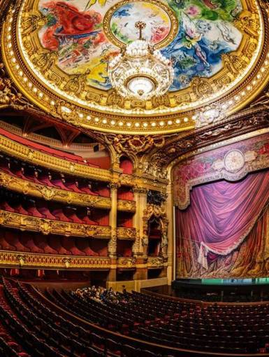 Why going to the opera? Here are eight excellent reasons!
