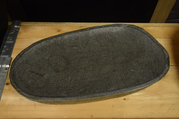 SW-122 natuurstenen schaal