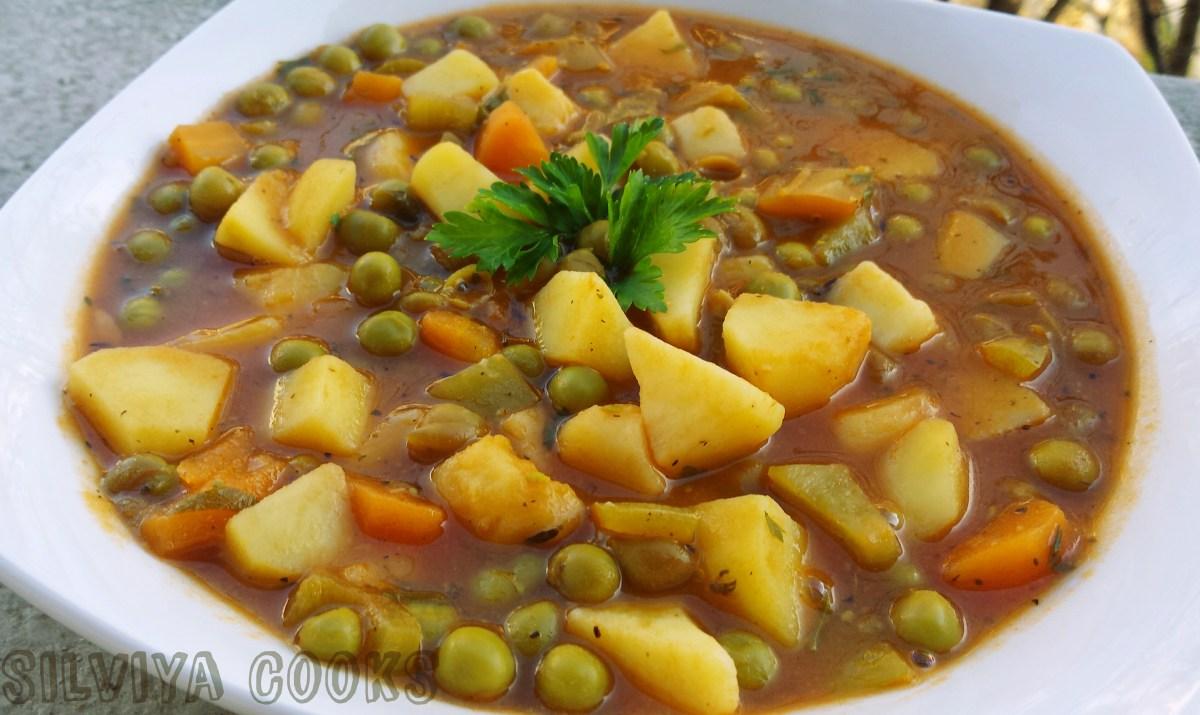Постна яхния с грах и картофи