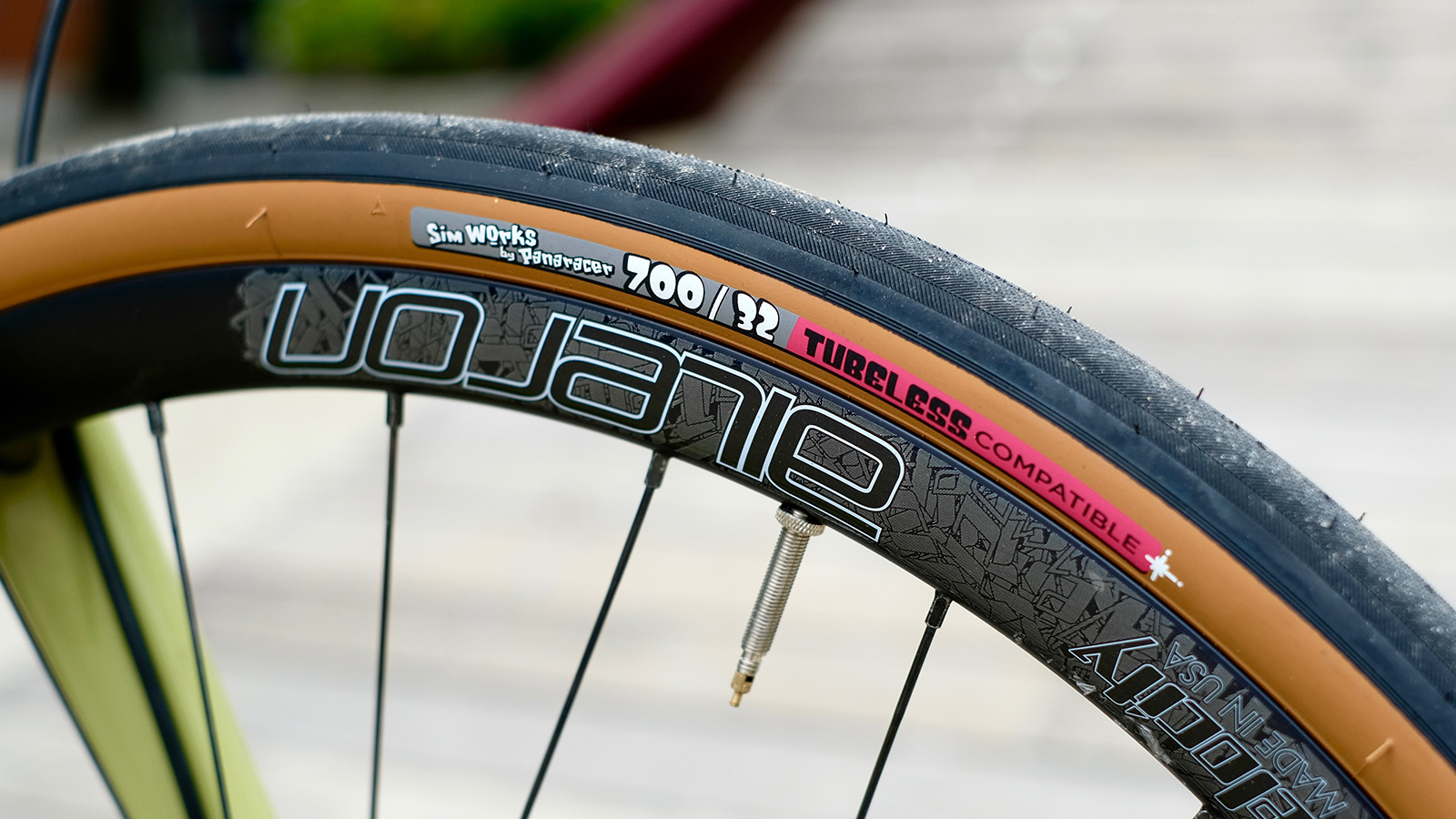 Volummy Tire Tubeless Compatible
