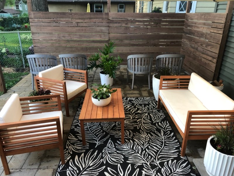 DIY privacy wall, how to build a privacy wall, patio privacy wall