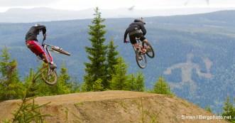 Kristoffer Haugland, Trond Hansen, Rollercoaster, Hafjell Bike Park. Foto: Simen Berg