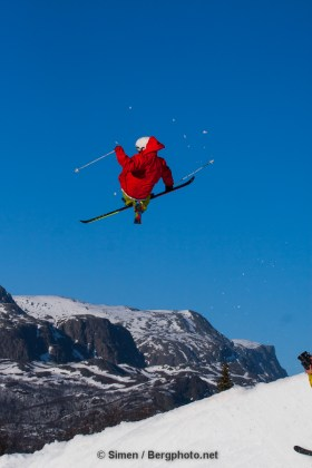 Aleksander Aurdal riding the terrain park in Hemsedal. Photo: Simen Berg