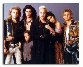 ss3248310_-_photograph_of_jami_gertz_as_star_kiefer_sutherland_as_david_billy_wirth_as_dwayne_alex_winter_as_marko_from_the_lost_boys_available_in_4_sizes_framed_or_unframed_buy_now_at_starstills__73247__