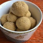 Godi laddoo / Wheat laddoo