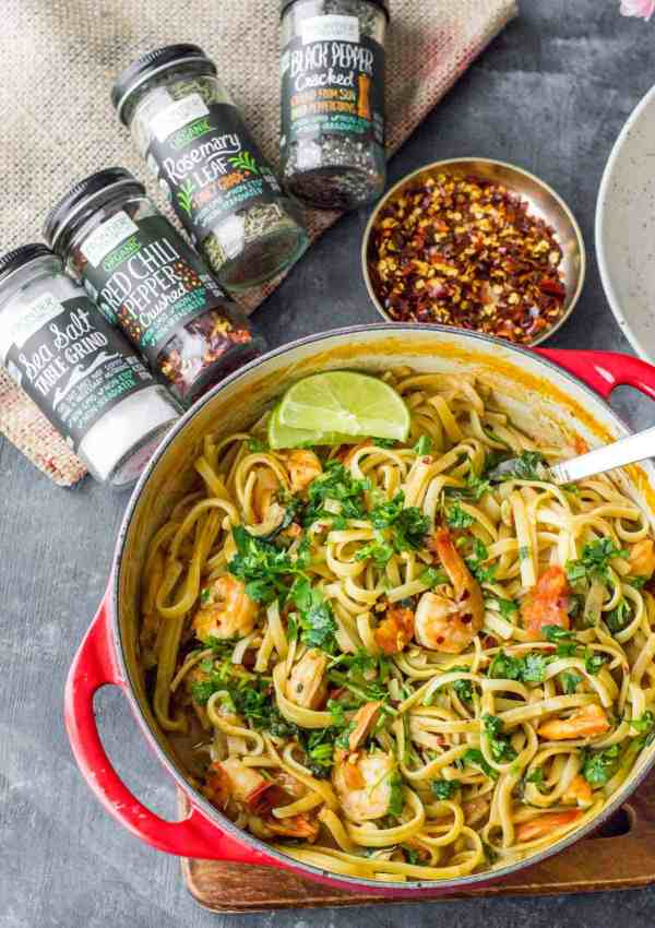 One pot creamy curry pasta with shrimp is a perfect marriage of Indian flavors with Italian produce. It is effortless to make and you can dish up this quick and satisfying supper in about 30 minutes.