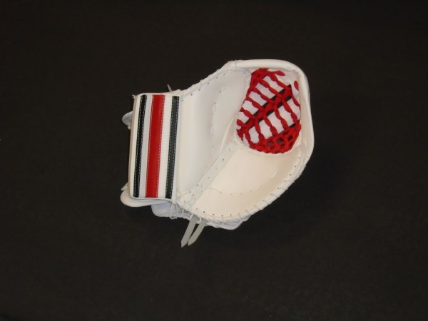 ISIMMONS 1000 INTERMEDIATE PRO CATCHER (White/Black/Red)