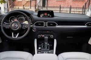 4-All-new-CX-5-interior_NA-1