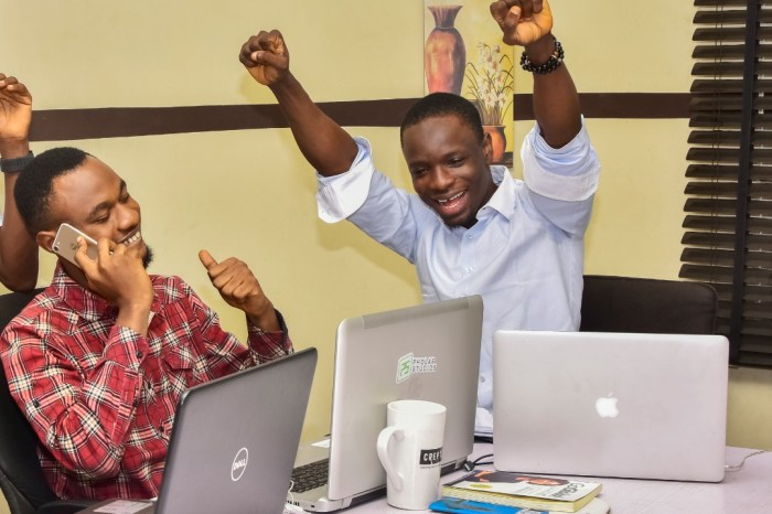 I am Fola Folagbade of Pholar Studios, a Digital Agency and This Is How I Work