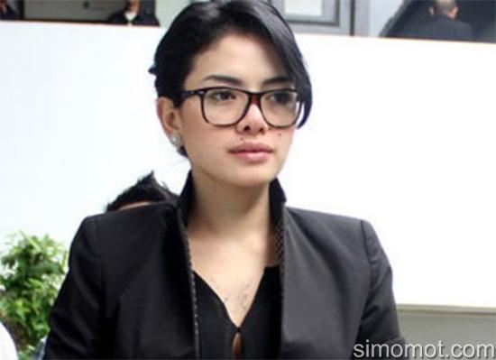 Nikita Mirzani Lulusan