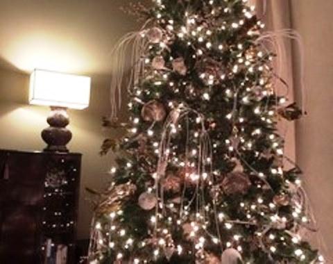 Foto contoh desain dan dekorasi pohon natal 40  SI MOMOT