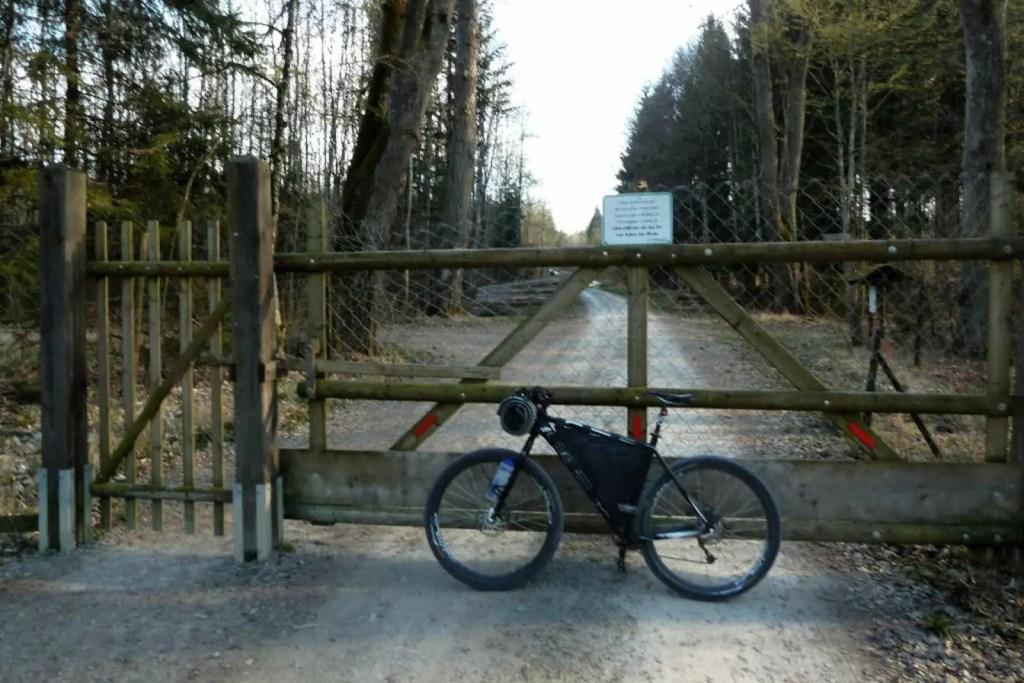 bikepacking-bike-schoenbuch-schaichhof-gatter