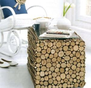 mobili-I-rami-tagliati-sono-incollati-sul-cubo-per-creare-il-progetto-completato-300x290