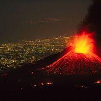 Etna. Muntele care aduce viaţa şi moartea