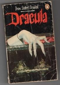 9ce35d77df874f6ca917a22fbbe5125d--film-dracula-dracula-book