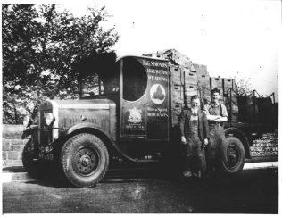 1930 Dray & drivers