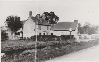 Whelford , Queens Head